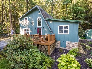 Picturesque 2 Bedroom Cottage in peaceful setting!