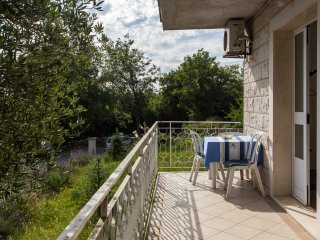 Apartments Villa Maslina - One-Bedroom Apartment with Terrace and Garden View