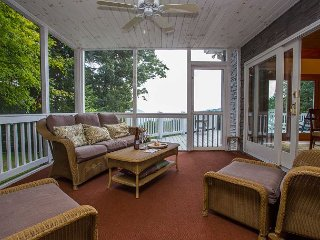 Mountain Views from this Luxurious Rental! |Cleaning Fee Incl. in Rate!, Old Fort