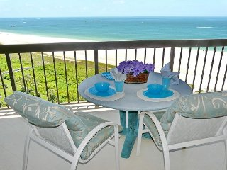 Beachfront condo with heated pool, hot tub and countless luxurious amenities, Isla Marco