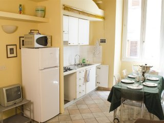 986  * Oche apartment, Florence