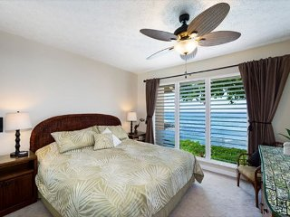 KKSR#4 DIRECT OCEANFRONT TOWNHOME!  Walk to the Beach! Remodeled!
