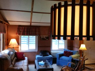 The Tack House Retreat w/ 2 beds & Full Kitchen, Pendleton