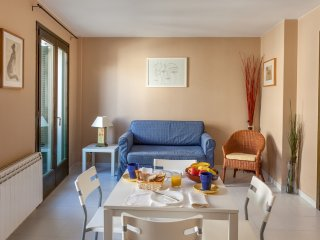 GABRIEL - Bright and airy very close to the beach, Sitges