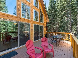 Brand New 3 BR, 2.5 BA Tahoe Donner Cabin – Resort Amenities, Close to