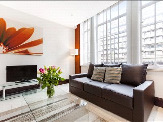 City of London, Barbican, Spacious 2 bed/2 bath Apt