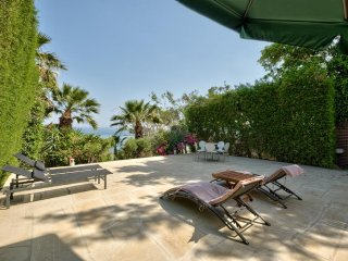 4b Beach House - Four Seasons beach, Limassol