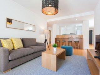 Spacious Palma Moniz apartment in Baixa/Chiado with WiFi & lift.