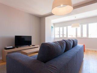 Spacious Cecilio Sousa apartment in Bairro Alto with WiFi, air conditioning & li