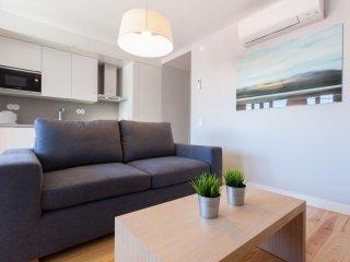 Cecilio Sousa II apartment in Bairro Alto with WiFi & lift.