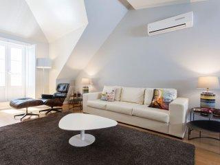 Spacious Baixa Biblioteca apartment in Baixa/Chiado with WiFi, air conditioning