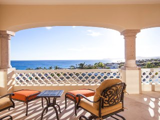 Stunning 3BD in Beachfront Community, Pay 5 nights and stay 7!