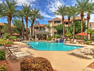 NEW! Beautiful 2BR Phoenix Condo w/Pool Access