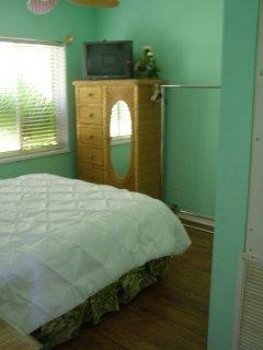 Bedroom 5 in the Keys House
