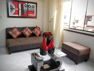 3Bed apt. Santiago de Surco, Lima. GREAT Location!