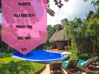 18 GUESTS // VILLA 6000 SQ FT // PRIVATE POOL // BBQ // WIFI // A-C //