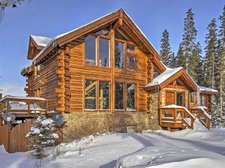 HGTV House Hunters Breckenridge Home! - Rustic Get Away True Log Cabin w/ Hot Tub and Stunning Views