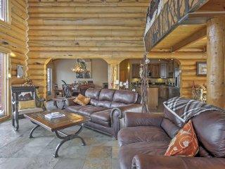 Rustic Breckenridge Cabin w/Hot Tub & Mtn Views!