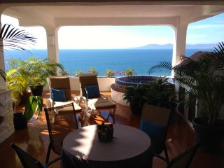 Hillside condo with fantastic ocean view, Puerto Vallarta