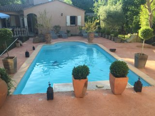charmante villa en provence - piscine et jacuzzi