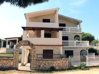 Holiday House in Tisno Near Festival Site TP11A1