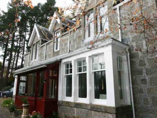 143-Edwardian Holiday Villa, Newtonmore