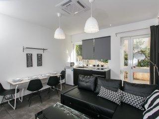 Apartment Avangarde- Studio Apartment with Terrace