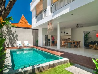 3BR villa 4 Seminyak/Oberoi 18min walking to beach