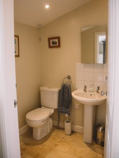 En suite shower room for downstairs bathroom. Ideal for those who have difficulty  with stairs