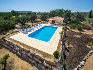 Peaceful Villa Nr. Moncarapacho , East Algarve