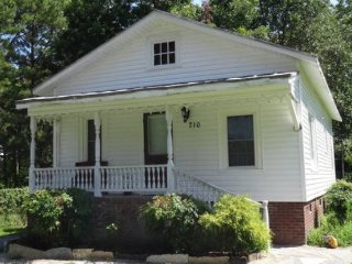 Country Cottage for 6 near Greenville NC, Ayden