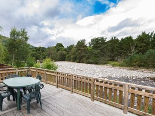 Riverside Lodge and Spa, sleeps 6
