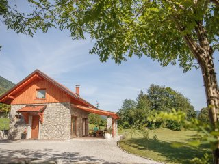 Cottage NA BIRU 2 by the Soca river