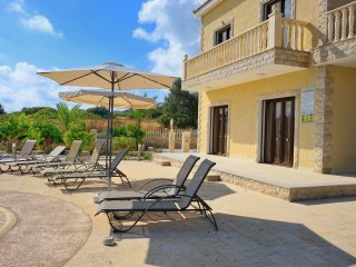 Newly Built Luxurious Modern 3BR Villa w. pool, Paphos