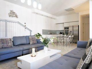 Hayarkon Luxury Bauhaus (13)
