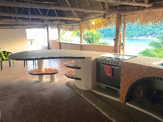 Beautiful 4 Bdrm Palapa in Yelapa!!