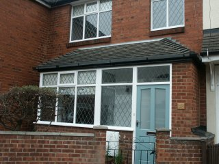 Stylish wi-fi home near beach, shops, restaurants. King, double, 2 single, cot., Cleethorpes