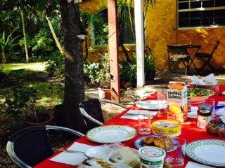 Stunning cottage *Best location in Miami Beach 2/2