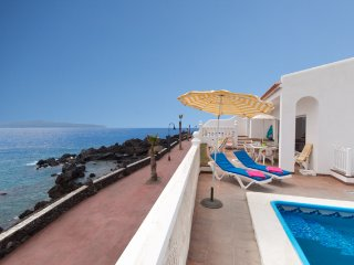 MIR242015| Amazing Front Line 6 Bedroom Villa. Stunning Sea Views.Playa San Juan