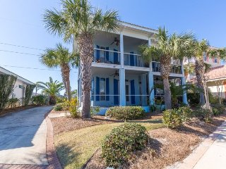 Fabulous Miramar Beach Home Close to Everything and Deeded Beach Access ~ RA90036, Destin