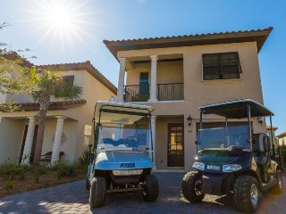 Sail Away offers 4 bedroom & 4 bathroom Sandestin Home in Villa Lago with 2 Golf Carts Included!!! ~ RA90035, Miramar Beach