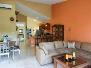 CHAC HA PLAYACAR II, sleeps 6!