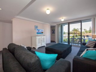 'Cirrus' unit 9, 44 Marine Drive, Fingal Bay