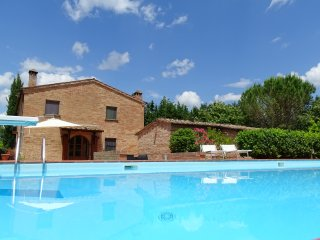 Country house between Crete Senesi and Val d'Orcia, Chiusure