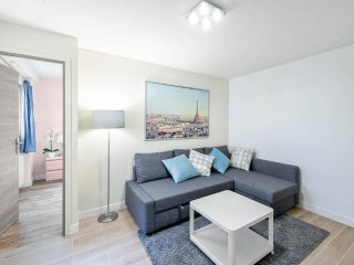 Gorgeously Renovated 3 Bedroom close to Bastille, Paris