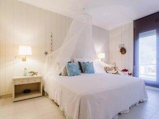 Fantastico apartamento con terraza en Pals, Girona