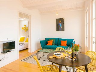Ap12 - Charming and cosy apartment with magnificent view over the river, Alfama