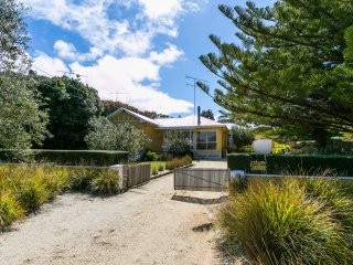 15 NINTH AVENUE - Anglesea, VIC