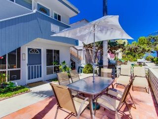 Mission Bay Masterpiece Ocean Beaches Outdoor Living Walk to Every Amenity