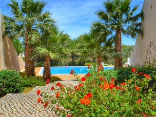 AMAZING VILLA WITH GREAT VIEWS CLOSE TO GOLF BEACH